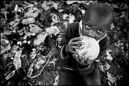Τα πρόσωπα της φτώχειας (28)