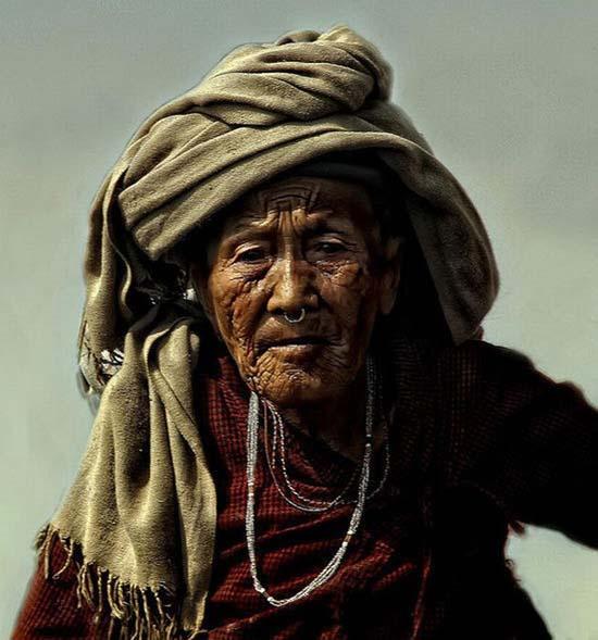 Τα πρόσωπα της φτώχειας (14)