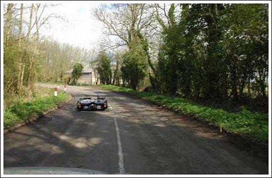 Flatmobile: Το πιο κοντό αυτοκίνητο του κόσμου (5)