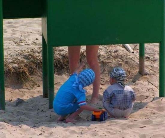 Ξεκαρδιστικές στιγμές στην παραλία (15)