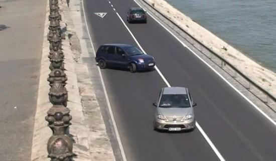 Γυναίκα οδηγός σε απόπειρα επί τόπου στροφής