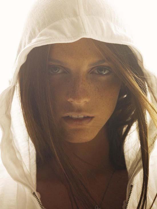 Γυναίκες με φακίδες (2)
