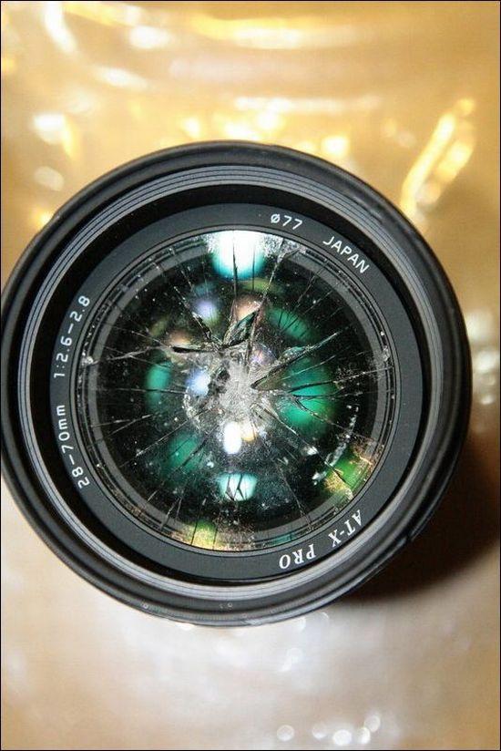 Τον εκδικήθηκε καταστρέφοντας φωτογραφικούς φακούς αξίας $7000 (9)