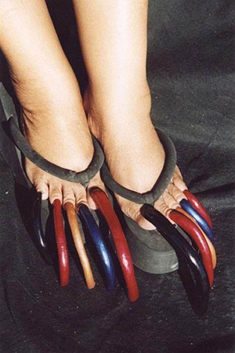 Τα μακρύτερα νύχια ποδιών στον κόσμο (2)