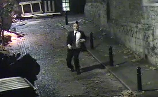 Το πιο ξεκαρδιστικό περπάτημα μεθυσμένου ever!
