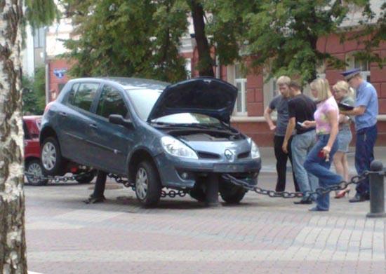 Το παρκάρισμα μιας ξανθιάς (2)
