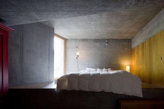Podgorny: Σπίτι χτισμένο μέσα σε λόφο (4)
