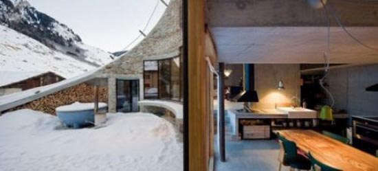 Podgorny: Σπίτι χτισμένο μέσα σε λόφο (12)