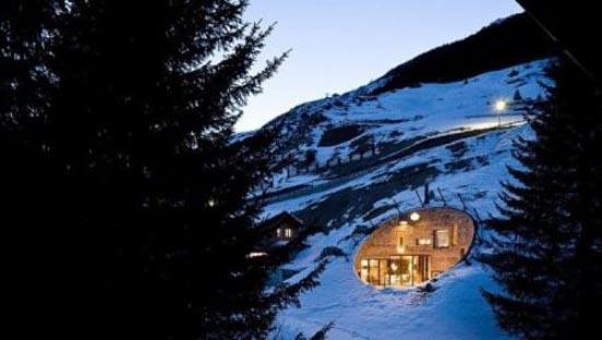Podgorny: Σπίτι χτισμένο μέσα σε λόφο (2)