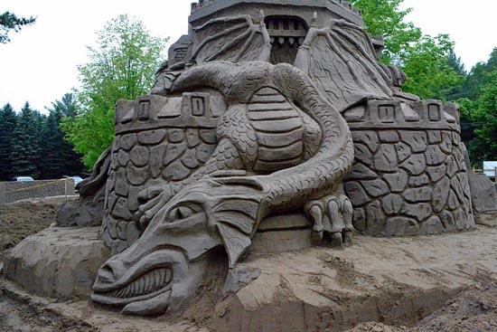 Χτίζοντας το ψηλοτερό κάστρο από άμμο (1)