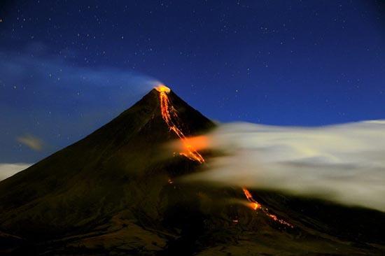 Εκπληκτικές φωτογραφίες ηφαιστειακών εκρήξεων (2)
