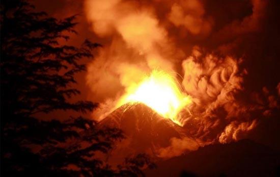 Εκπληκτικές φωτογραφίες ηφαιστειακών εκρήξεων (14)