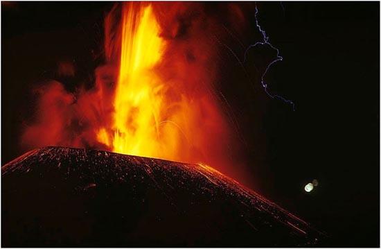 Εκπληκτικές φωτογραφίες ηφαιστειακών εκρήξεων (22)