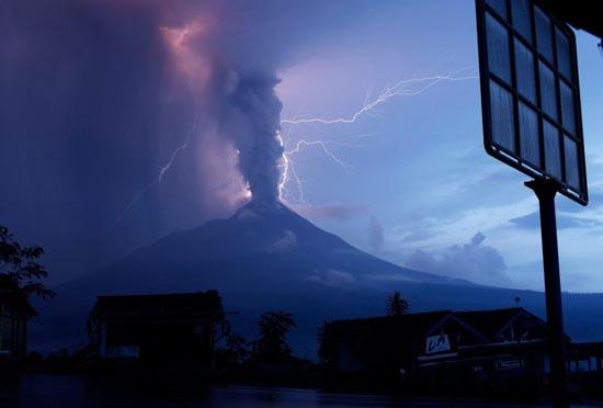 Εκπληκτικές φωτογραφίες ηφαιστειακών εκρήξεων (25)