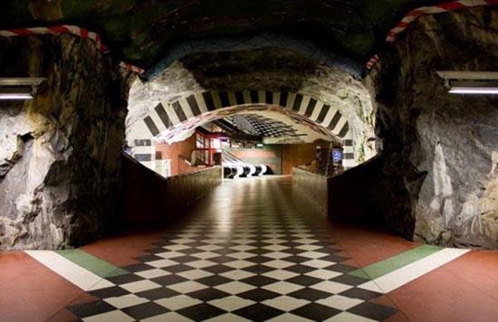 Το εντυπωσιακό μετρό της Στοχόλμης (4)