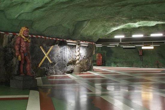 Το εντυπωσιακό μετρό της Στοχόλμης (17)