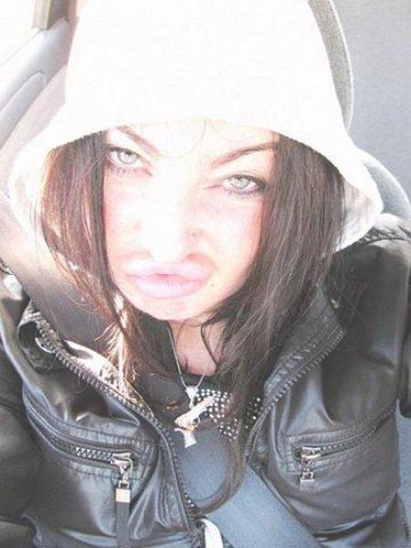 Άλλη μια κοπέλα που κατέστρεψε το πρόσωπο της (21)