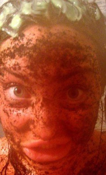 Άλλη μια κοπέλα που κατέστρεψε το πρόσωπο της (18)