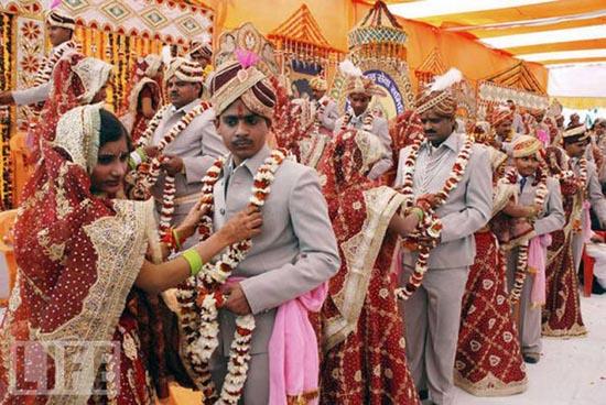 Μαζικοί γάμοι απ' όλο τον κόσμο (10)