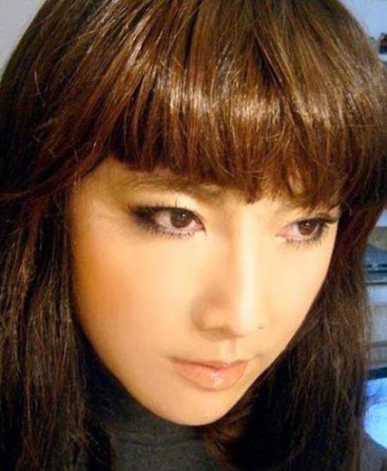 Μια όμορφη κοπέλα ή ... (3)