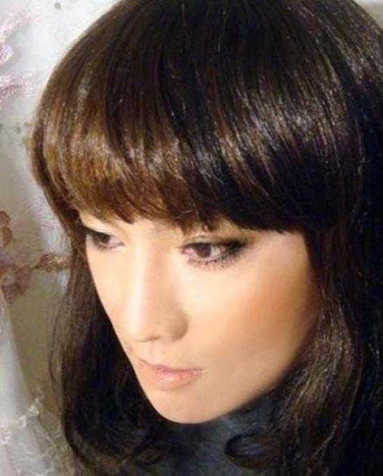 Μια όμορφη κοπέλα ή ... (4)