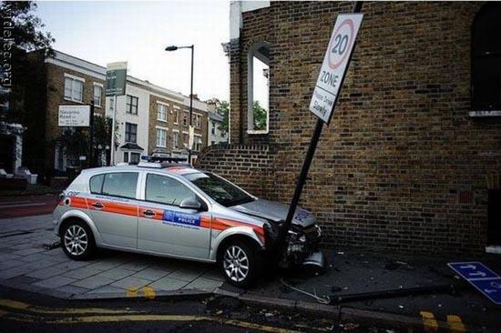 Ασυνήθιστα τροχαία ατυχήματα (4)