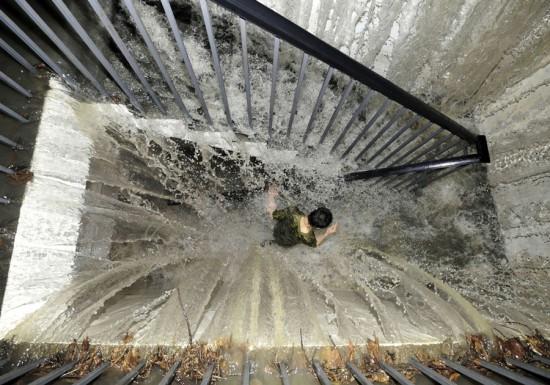 Φωτογραφία της ημέρας: Εφιάλτης στο υπόγειο
