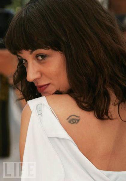 Τατουάζ διασήμων γυναικών (4)