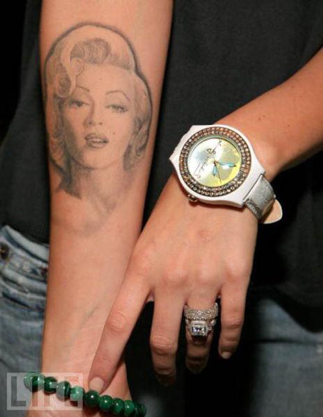 Τατουάζ διασήμων γυναικών (7)