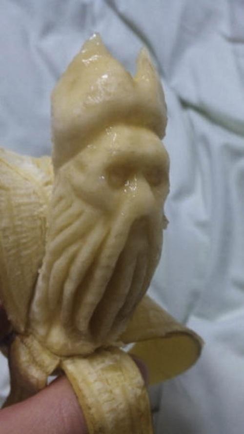 Εντυπωσιακή τέχνη με μπανάνες (1)