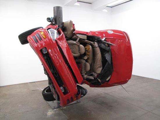 Αμφιλεγόμενη τέχνη με παραμορφωμένα αυτοκίνητα (4)