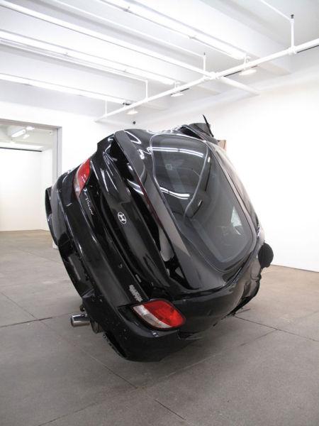 Αμφιλεγόμενη τέχνη με παραμορφωμένα αυτοκίνητα (3)