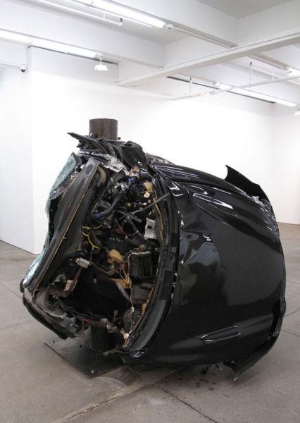 Αμφιλεγόμενη τέχνη με παραμορφωμένα αυτοκίνητα (9)