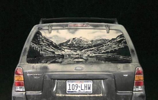 Απίστευτη τέχνη σε σκονισμένα τζάμια αυτοκινήτων (1)