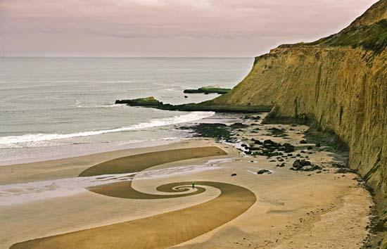 Εξωπραγματική τέχνη σε παραλίες από τον Jim Denevan (30)