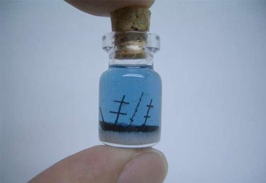 Γλυπτά μινιατούρες σε μικροσκοπικά μπουκάλια (6)