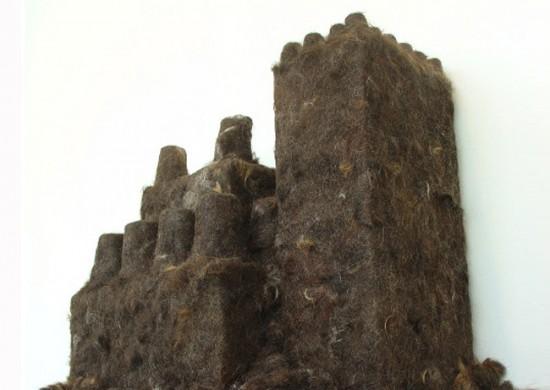 Κάστρο φτιαγμένο από ανθρώπινο μαλλί (2)