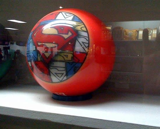 Παράξενες μπάλες bowling (2)