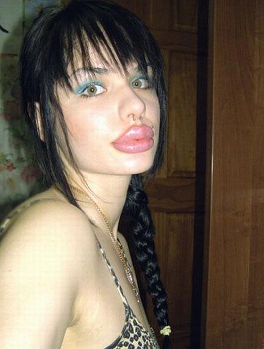 Μια κοπέλα που κατέστρεψε το όμορφο πρόσωπο της (6)