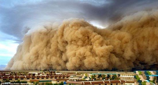 Αμμοθύελλες που προκαλούν δέος (8)
