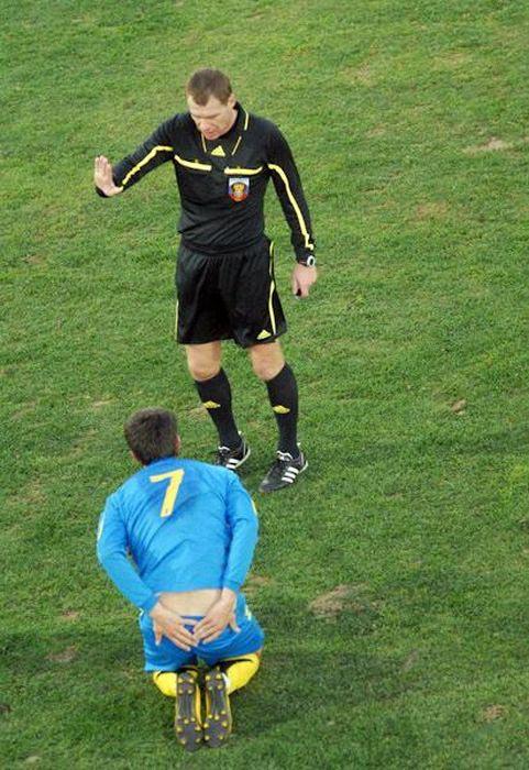 Αστείες ποδοσφαιρικές στιγμές (4)