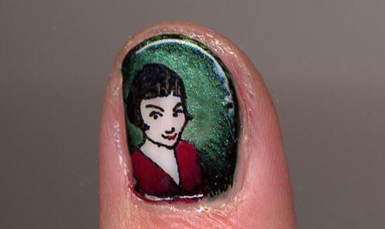Ασυνήθιστα σχέδια σε νύχια (7)