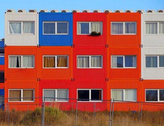 Εντυπωσιακές κατασκευές με containers (8)