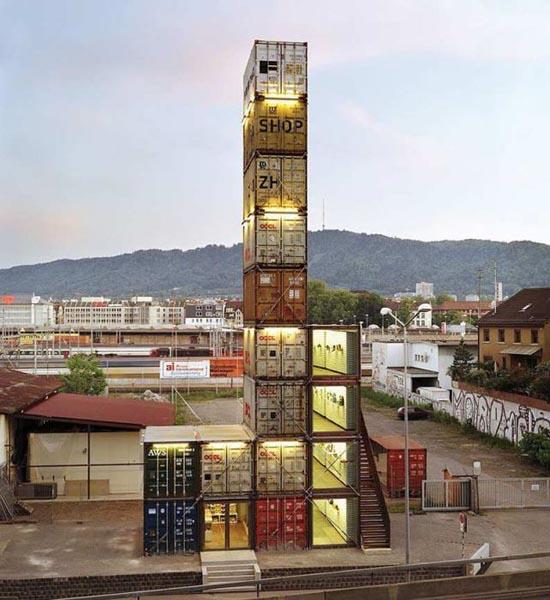 Εντυπωσιακές κατασκευές με containers (11)