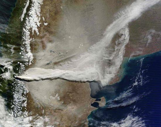 Εκπληκτικές φωτογραφίες ηφαιστείων από το διάστημα (28)