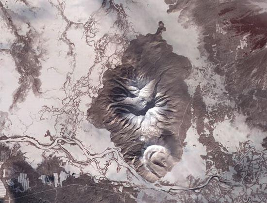 Εκπληκτικές φωτογραφίες ηφαιστείων από το διάστημα (23)