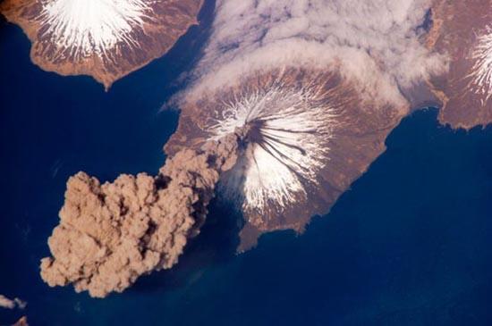 Εκπληκτικές φωτογραφίες ηφαιστείων από το διάστημα (19)