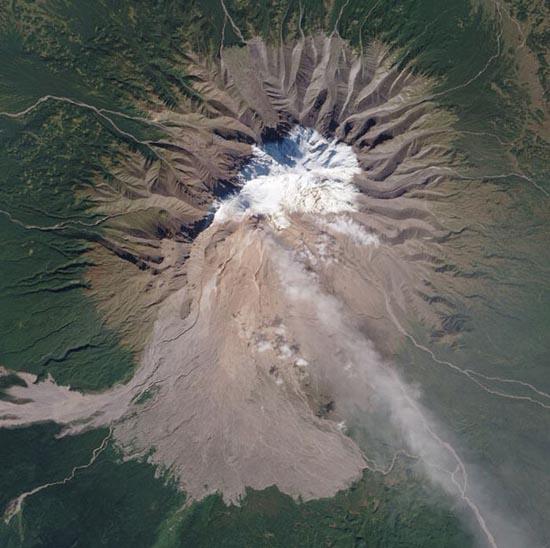 Εκπληκτικές φωτογραφίες ηφαιστείων από το διάστημα (12)