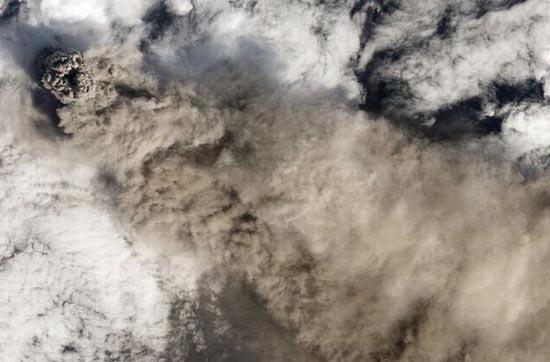 Εκπληκτικές φωτογραφίες ηφαιστείων από το διάστημα (10)