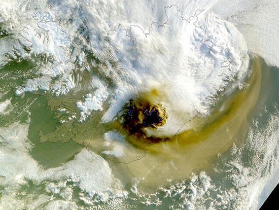 Εκπληκτικές φωτογραφίες ηφαιστείων από το διάστημα (7)